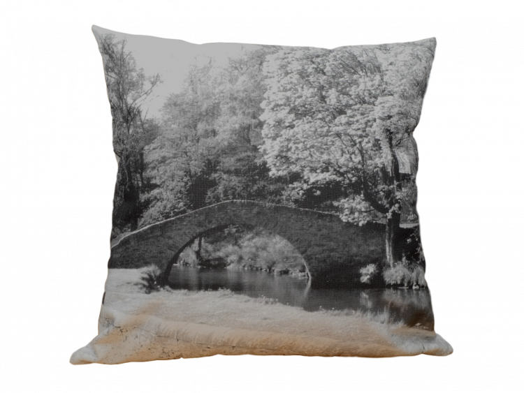 cushion cover auld brig keith with history