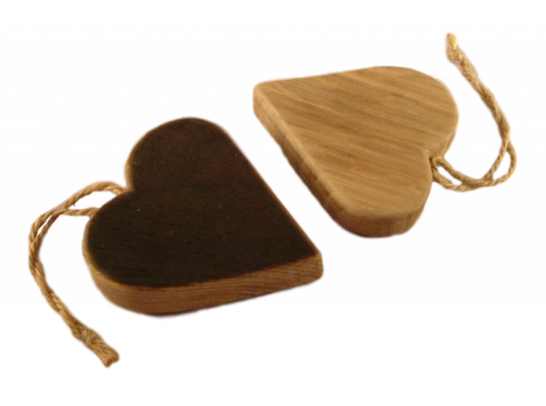 scottish oak hanging heart